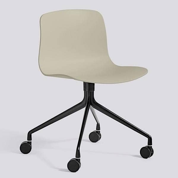 La chaise à roulettes About a Chair par HAY - réf. AAC14 et AAC 14 DUO - assise en polypropylène, piétement en aluminium, muni de roulettes - l'art du design nordique