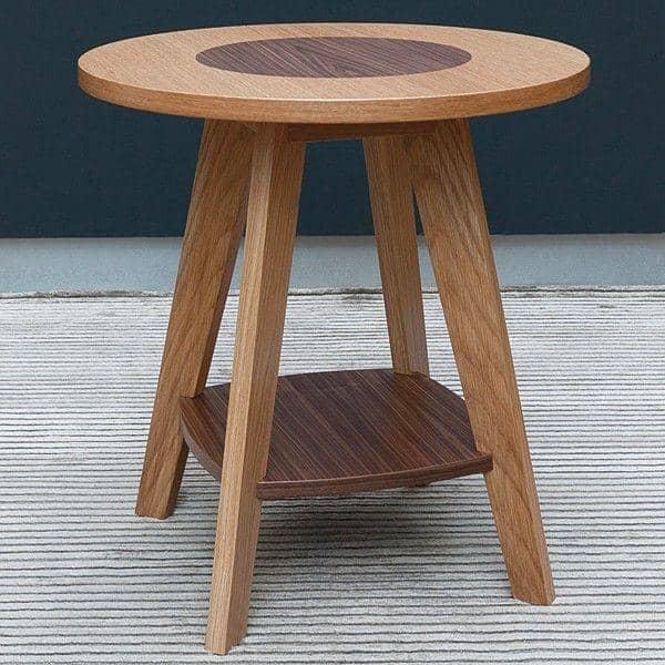 KENSAY צד שולחן - אלון ואגוז - שנוצר על ידי ליאונרד פייפר - דקו ועיצוב