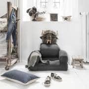 LITTLE HIPPO, una sedia per bambini che si trasforma in un letto futon in pochi secondi: deco e design