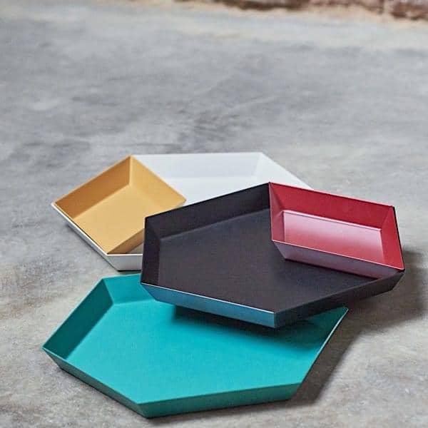 KALEIDO, bandejas de acero lacado, HAY, disponible en cinco formas geométricas inteligentes para usos múltiples - deco y el diseño