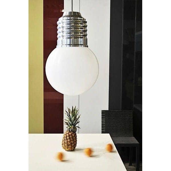 BASIC, en dejlig loftslampe, poleret aluminiumsmuffe, polyethylenklods