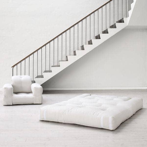 HIPPO, un fauteuil et aussi un sofa, hyper malins qui se transforment en un confortable lit futon d'appoint en quelques secondes
