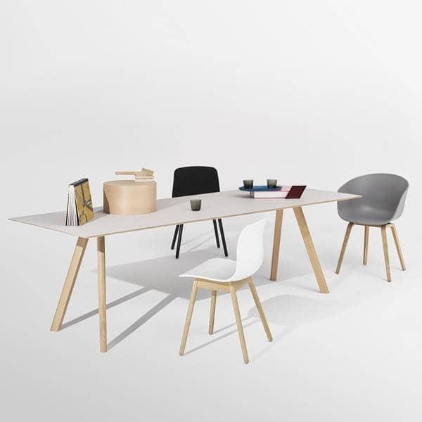 The Copenhague spisebord CPH30, laget i heltre og kryssfiner, av Ronan og Erwan Bouroullec - deco og design