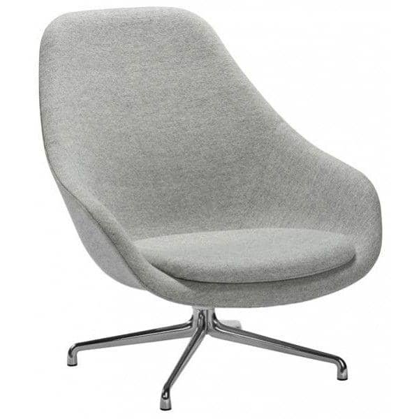 Le fauteuil About a Lounge Chair - réf. AAL91 - dossier haut, piétement aluminium poli ou laqué noir ou blanc, un grand choix de coloris, coussin d'assise fixe inclus - confort nordique et personnalisation maximum - Hay design