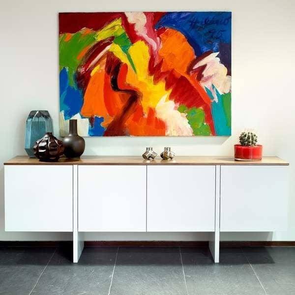 EDGE, Buffet parfaitement équilibré, réalisé avec goût - designer : RICARDO MARÇAL