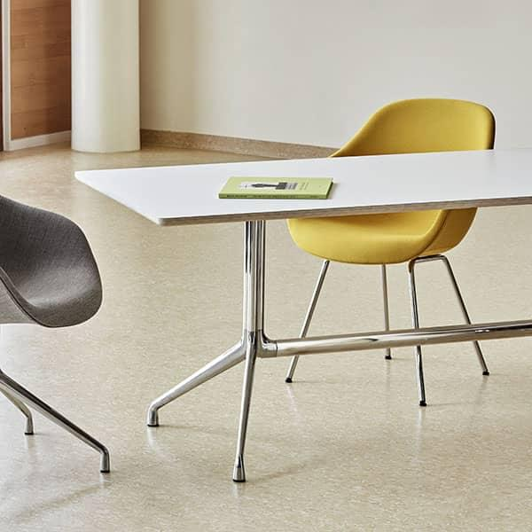 AAT10 rectangular mesa de comedor, madera contrachapada, patas de aluminio,  HAY.