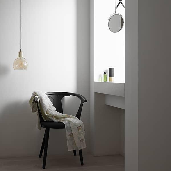 Les suspensions BULB et MEGA BULB de Sofie Refer, pour ANDTRADITION : des luminaires sobres, beaux et élégants