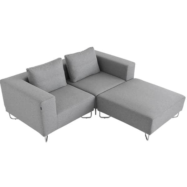 LOTUS divano: combinare il modulo base, l'angolo ed i pouf per creare il proprio divano relax, con ottimo comfort di seduta. Design: Stine Engelbrechtsen