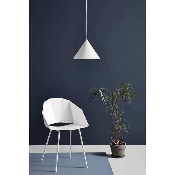 ANNULAR lâmpada pingente: um círculo perfeito de luz registrado no perímetro cônica, LEDs de iluminação, projetada pela MSDS estúdio para WOUD