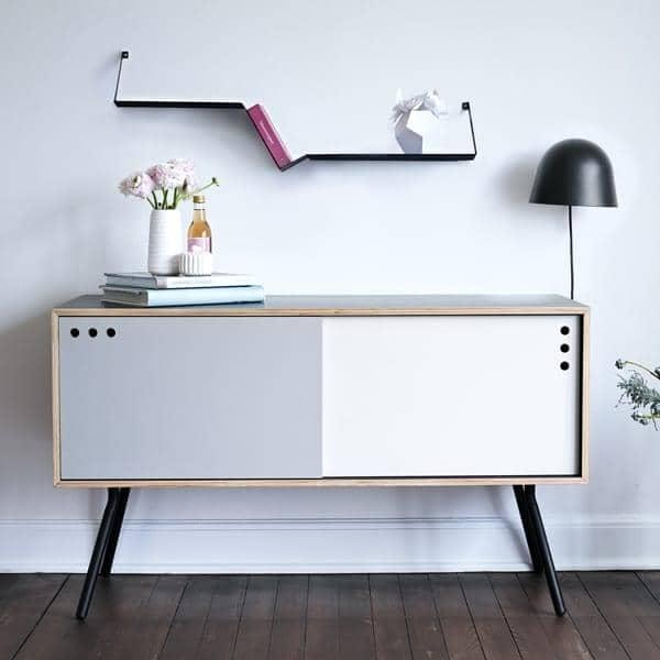 Applique KUPPI, une lampe en métal, ingénieuse, aimantée et design