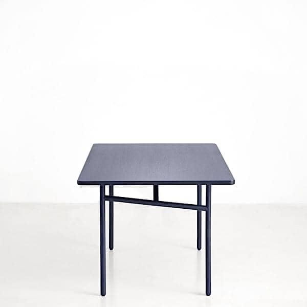 diagonale ein esstisch aus holz und metall woud. Black Bedroom Furniture Sets. Home Design Ideas