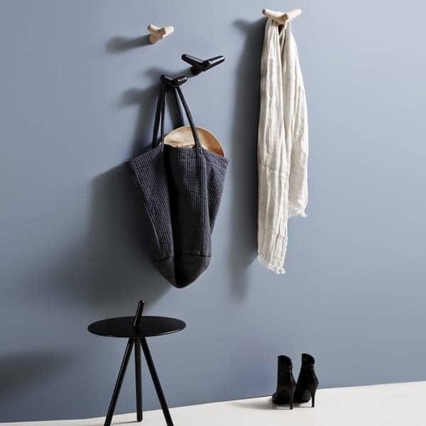 TAIL Wing hanger, lekfull form, deco og design. WOUD.