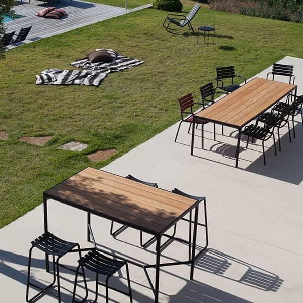 Table Haute A Manger.Four Table A Manger Et Table Haute Outdoor En Aluminium Et Bambou Par Houe