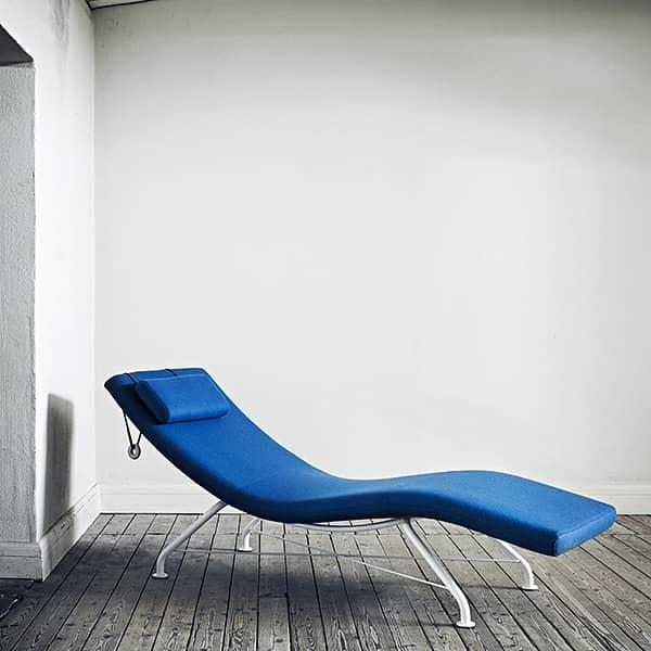 Minimalist and comfortable lounge chair SENSE. SOFTLINE