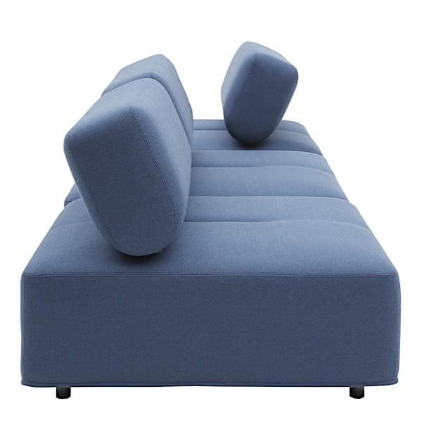 CABALA, sofá modular com seu grande otomano, um design engenhoso.