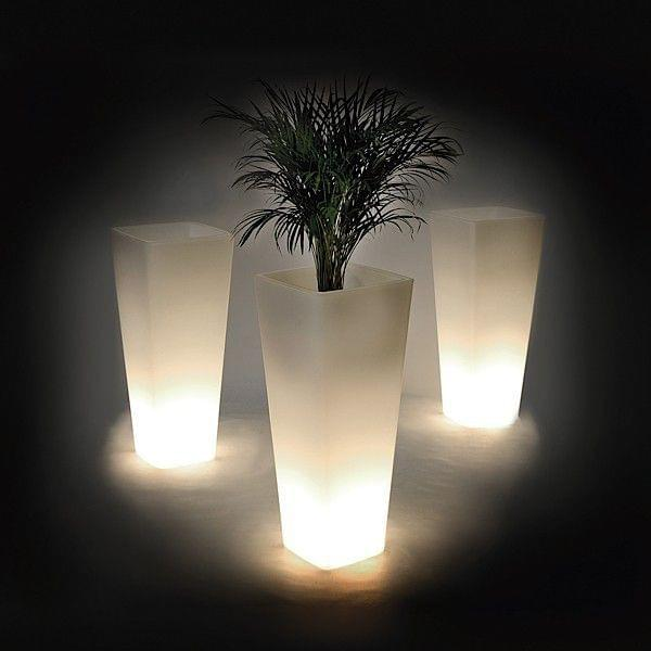 luminous vase all so quiet qui est paul. Black Bedroom Furniture Sets. Home Design Ideas