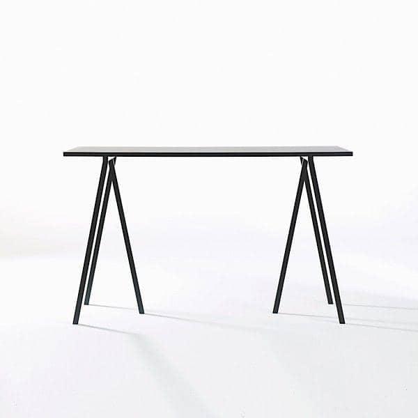 A LOOP Fique alta mesa de jantar é bonito, fácil de viver e de preço acessível, HAY - deco e design