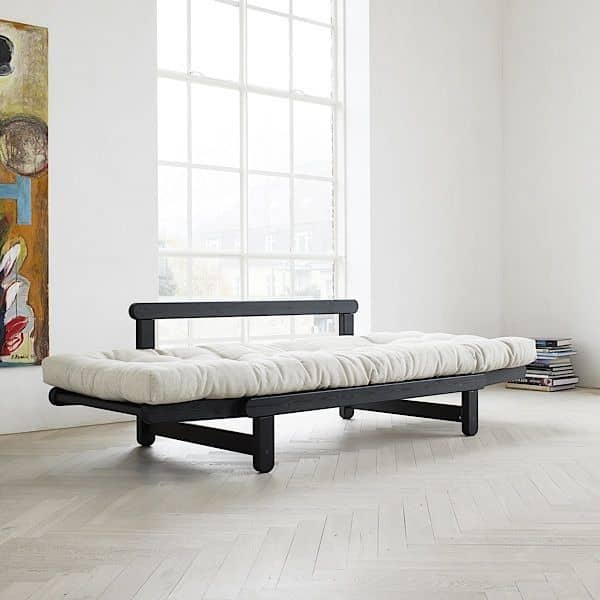 BEAT è un divano letto a due posti che può essere ...