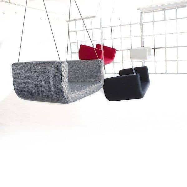 me und u ist eine gepolsterte innenschaukel softline. Black Bedroom Furniture Sets. Home Design Ideas