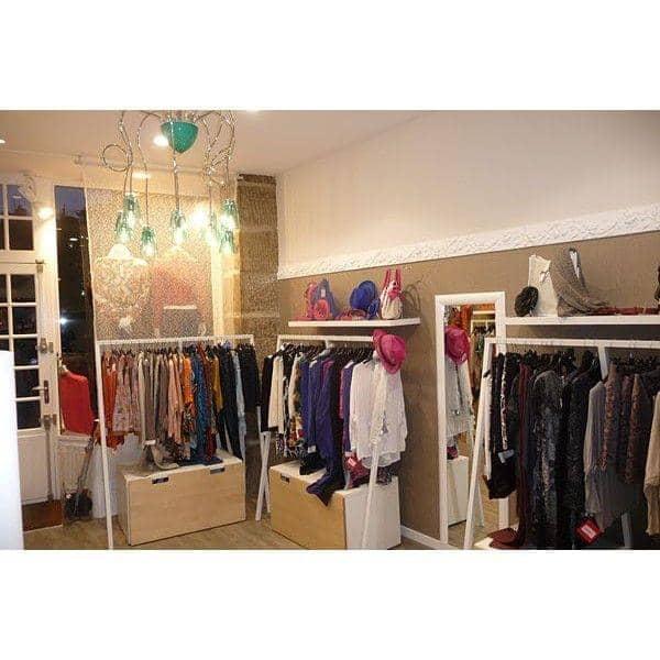 Pack portant pour vêtements LOOP + 20 cintres en aluminium anodisé, par HAY