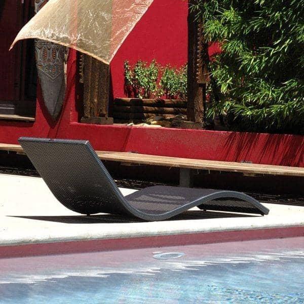 Matelas pour le transat WAVE : l'élégance de la forme, au jardin et sur la terrasse